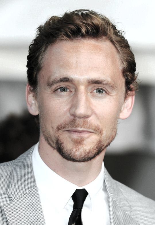 Tom Hiddleston- The adorable almost-smile :) | Tom ...