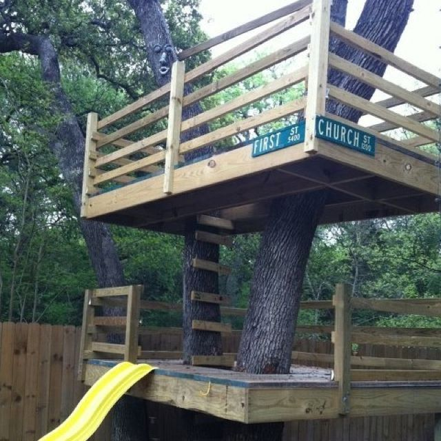 This Is My Kids Tree House Built By Daddy Tree House Diy