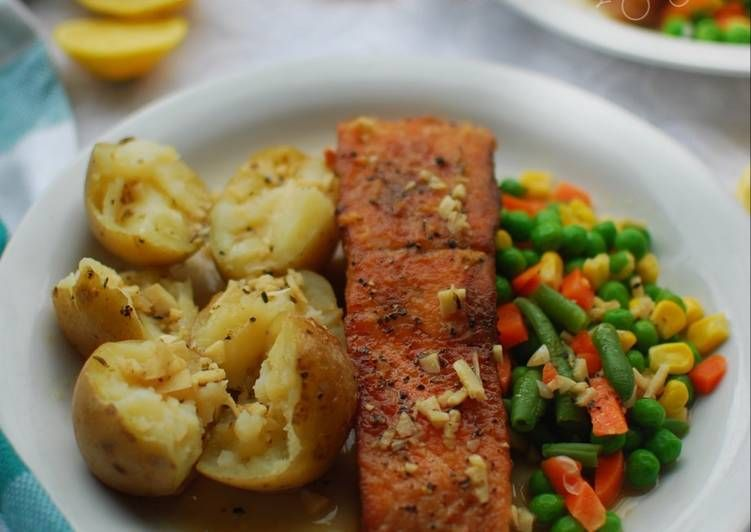 Resep Steak Ikan Salmon Saus Butter Lemon Oleh Trixie Gayatri Resep Resep Steak Resep Menu Mingguan