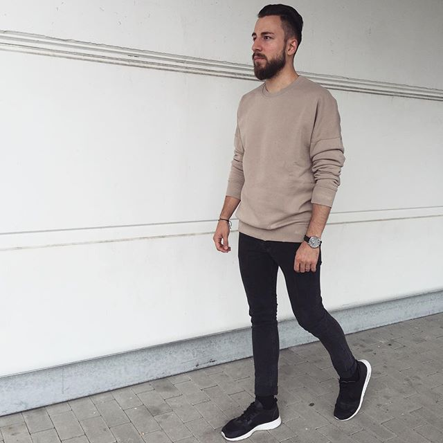 WEBSTA @ mr_gentleguy - ⚫️DAMAGED STREET OUTFIT⚫️Go and check out @yezz.clothing for dope streetwear‼️ Try out something new, try out the online shop ▶️yezzclothing.comLove the stylesDamaged Sweater: @yezz.clothing