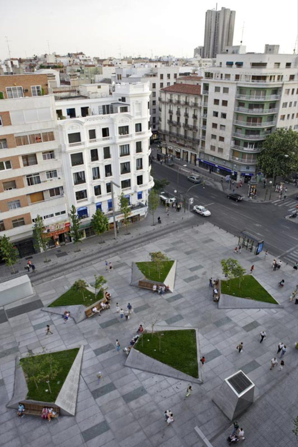 Mangado architects plaza dal public spaces - Paisajismo madrid ...