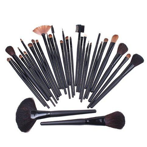 32 pcs makeup brush set, includes case  Brush bristle color: Black/Brown Brush handle color: Black Bag color: Black Bag size: 24 * 15.5 * 5cm (folded)
