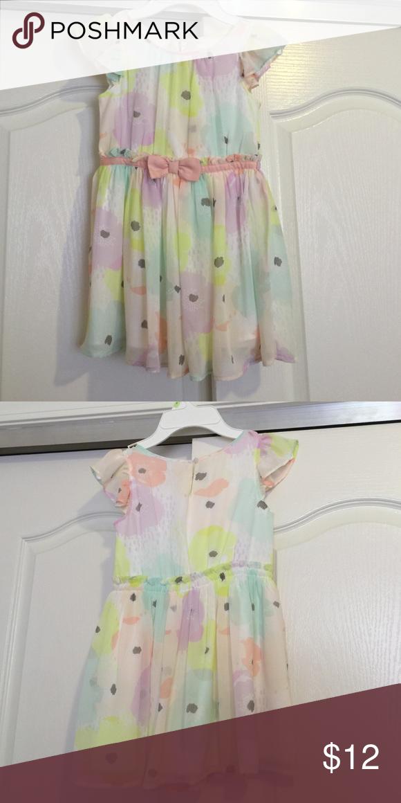 Girls floral dress size 5t Polyester floral dress size 5t Osh Kosh Dresses Formal