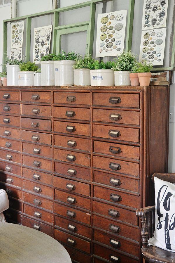 Pingl par lili paris sur meubles tiroirs mobilier de salon d coration maison et maison for Mobilier decoration maison