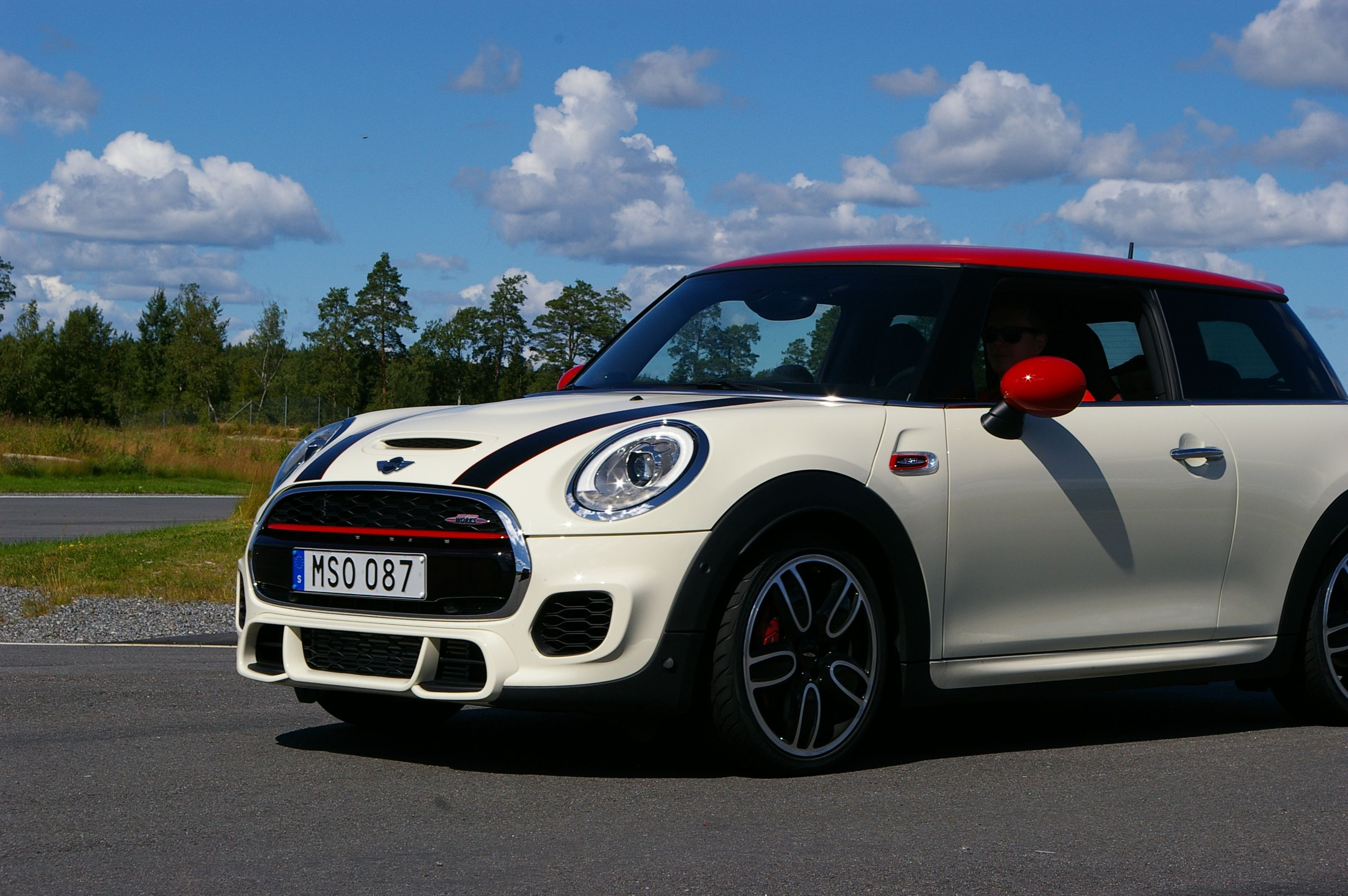 A Full List Of Mini 0 60 Amp Quarter Mile Times From 1981 To Today Including The Cooper Cooper S Jcw Clubman Paceman Countr Mini Cars Mini Mini Cooper S