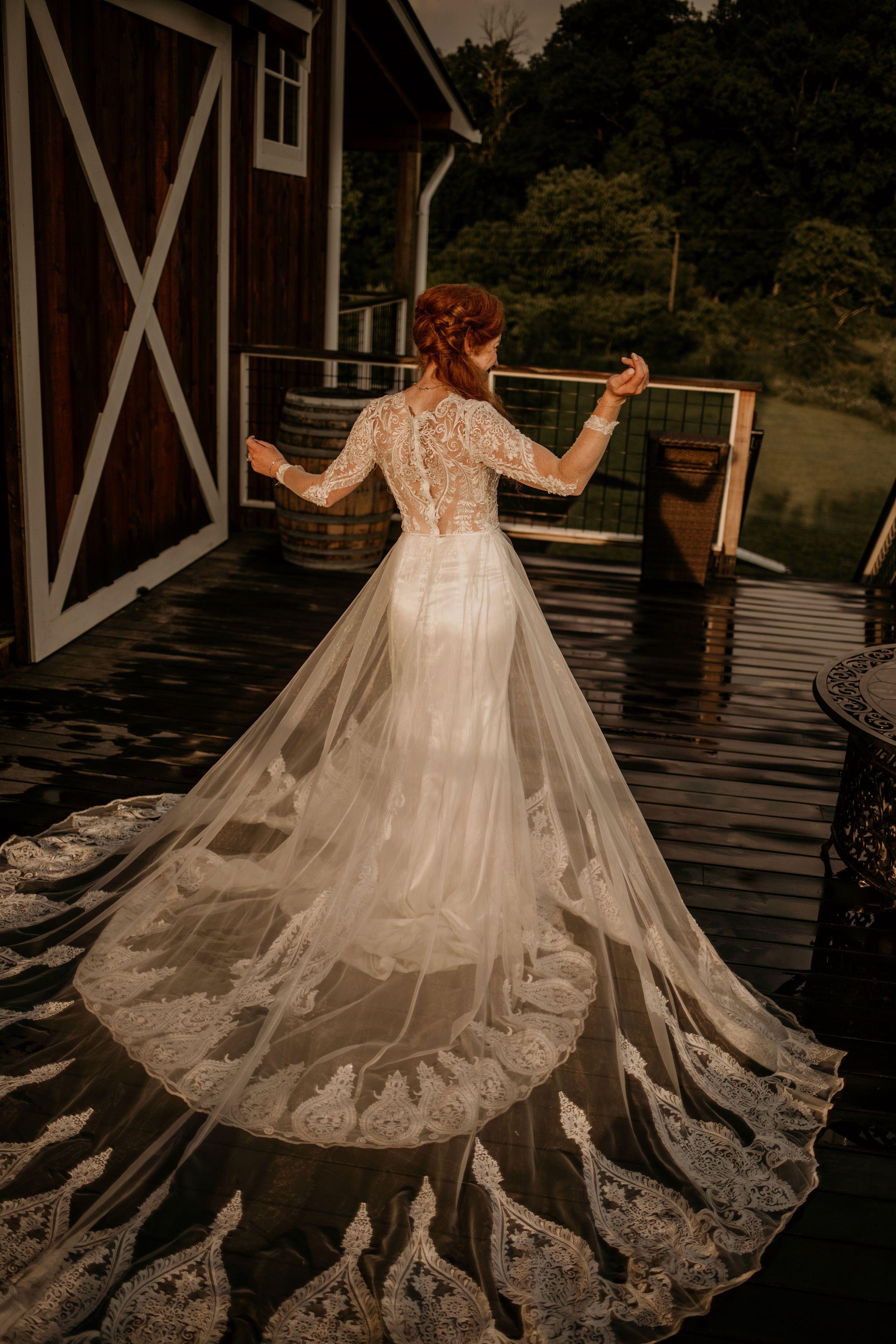 My Dress Story Zara's Wedding Dress with Fabrics from the ...