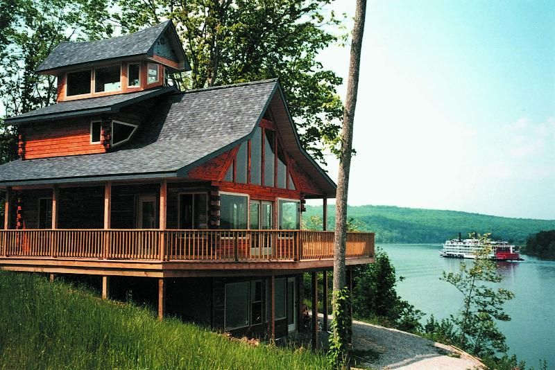 Louisville Kentucky · Colucci Log Cabins On The Ohio River, Herons Nest