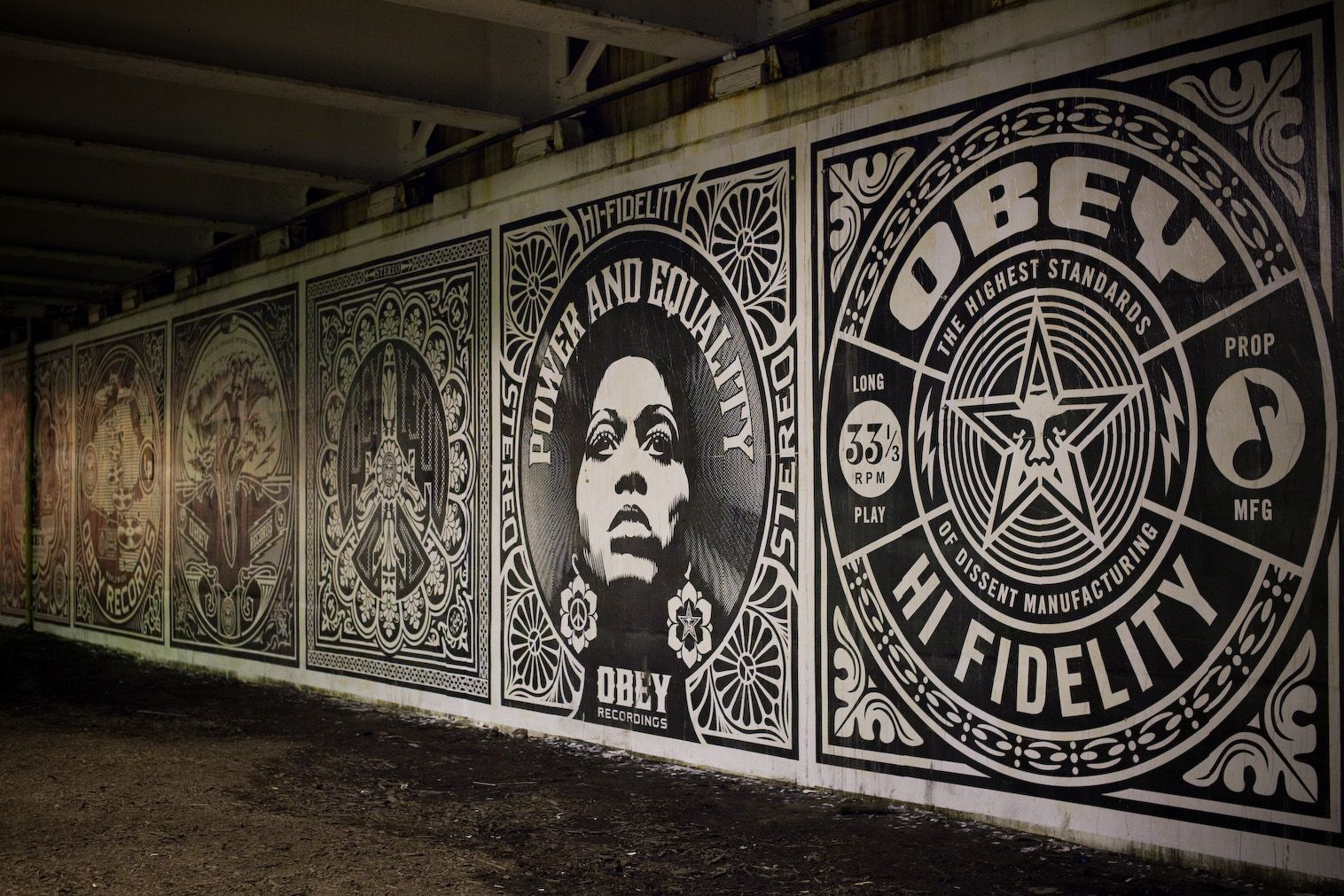 Obey 39 revolutions 39 murals in chicago postersandprints for Chicago mural project