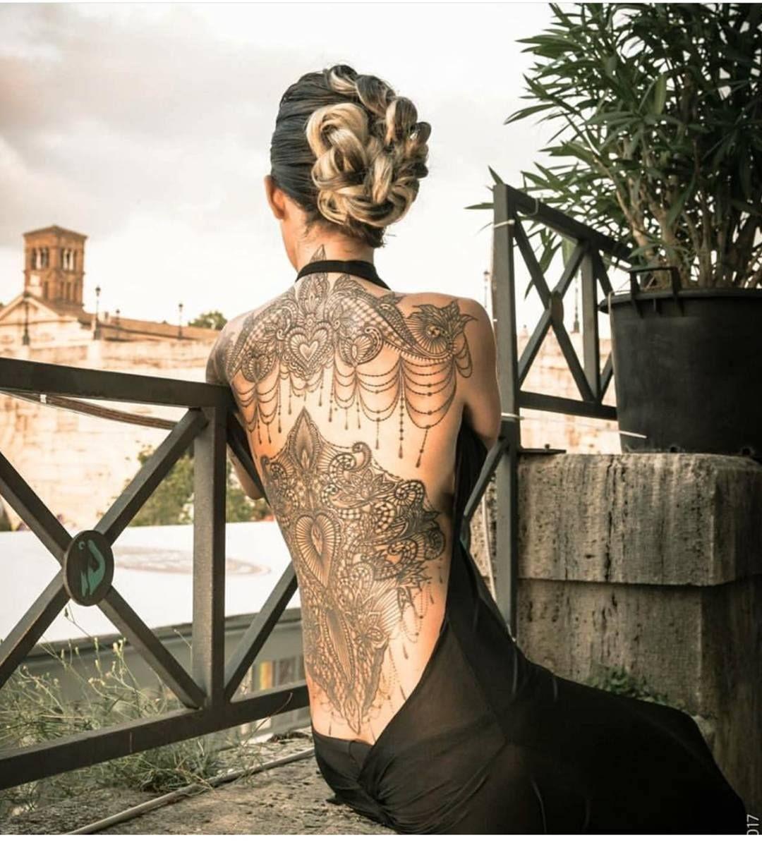 Pin by Skinnhead L on tattoo Girl tattoos, Back tattoo