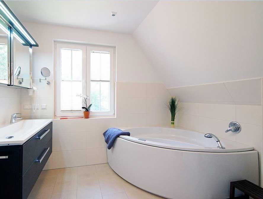 Eckbadewanne größe kleine mit armaturen badewanne grohe | BADEZIMMER ...