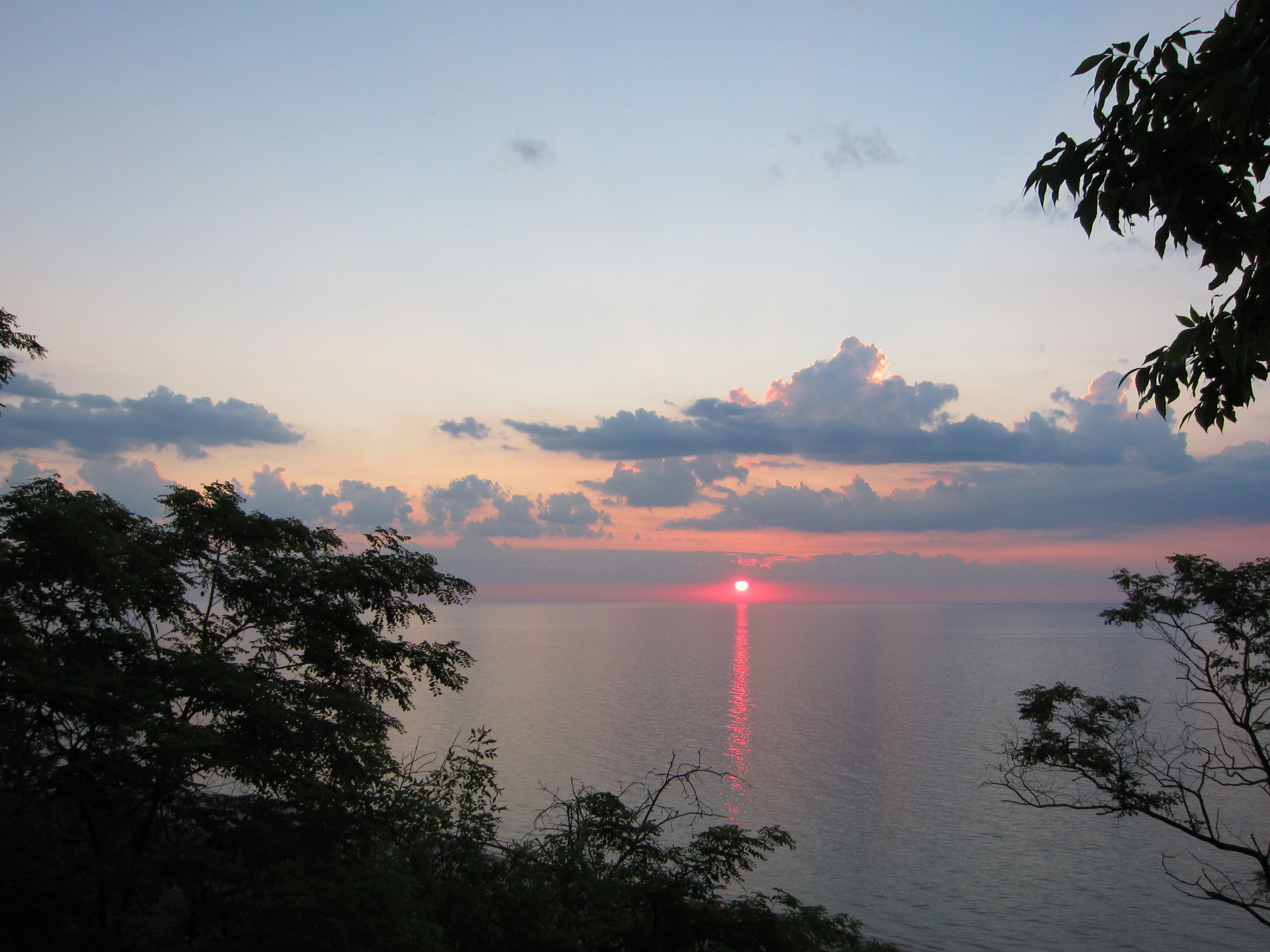 71312 sunrise over lake michigan from virmond park in