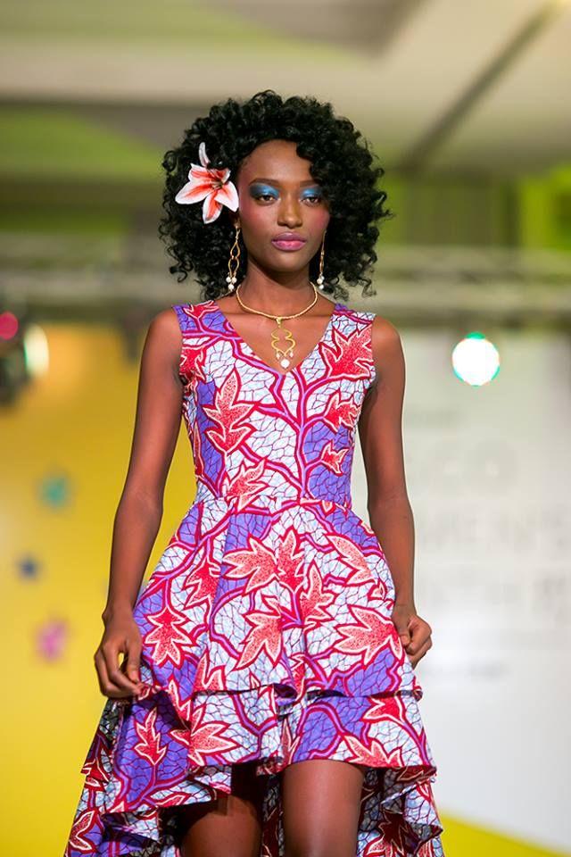 Défilé Alikoto Clothing pour Vlisco. Robe AfricainePagne