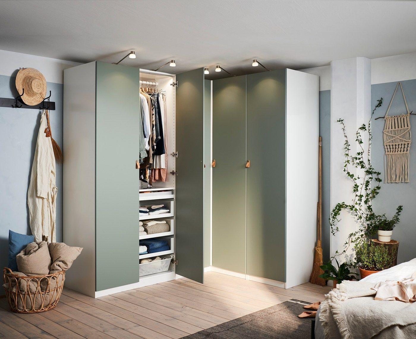 Schlafzimmer mit Eckkleiderschrank einrichten
