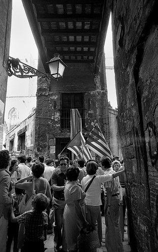 Diada Nacional de Catalunya 1977 | Al Fossar de les Moreres. Barcelona | by Manel Armengol