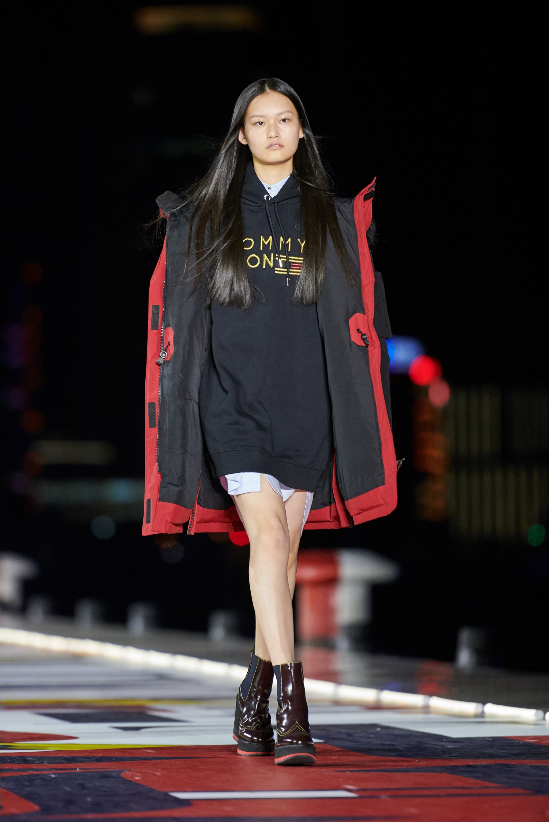 f260302c Tommy Hilfiger Shanghai - Collections Fall Winter 2018-19 - Shows - Vogue.it