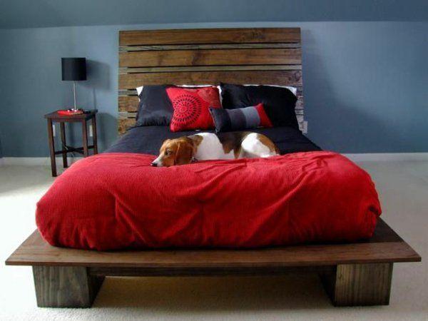 bett aus europaletten selbst bauen coole m bel zeigen ihren charakter wohnen pinterest. Black Bedroom Furniture Sets. Home Design Ideas