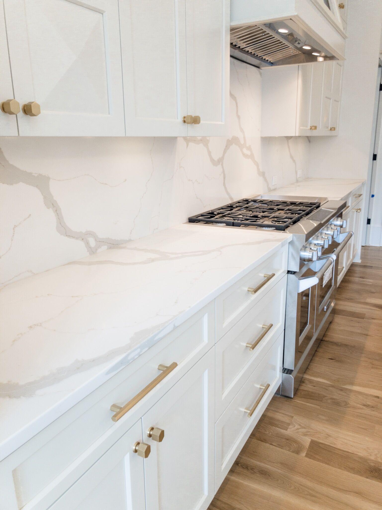 White Modern Kitchen | White modern kitchen, Kitchen gallery, Kitchen