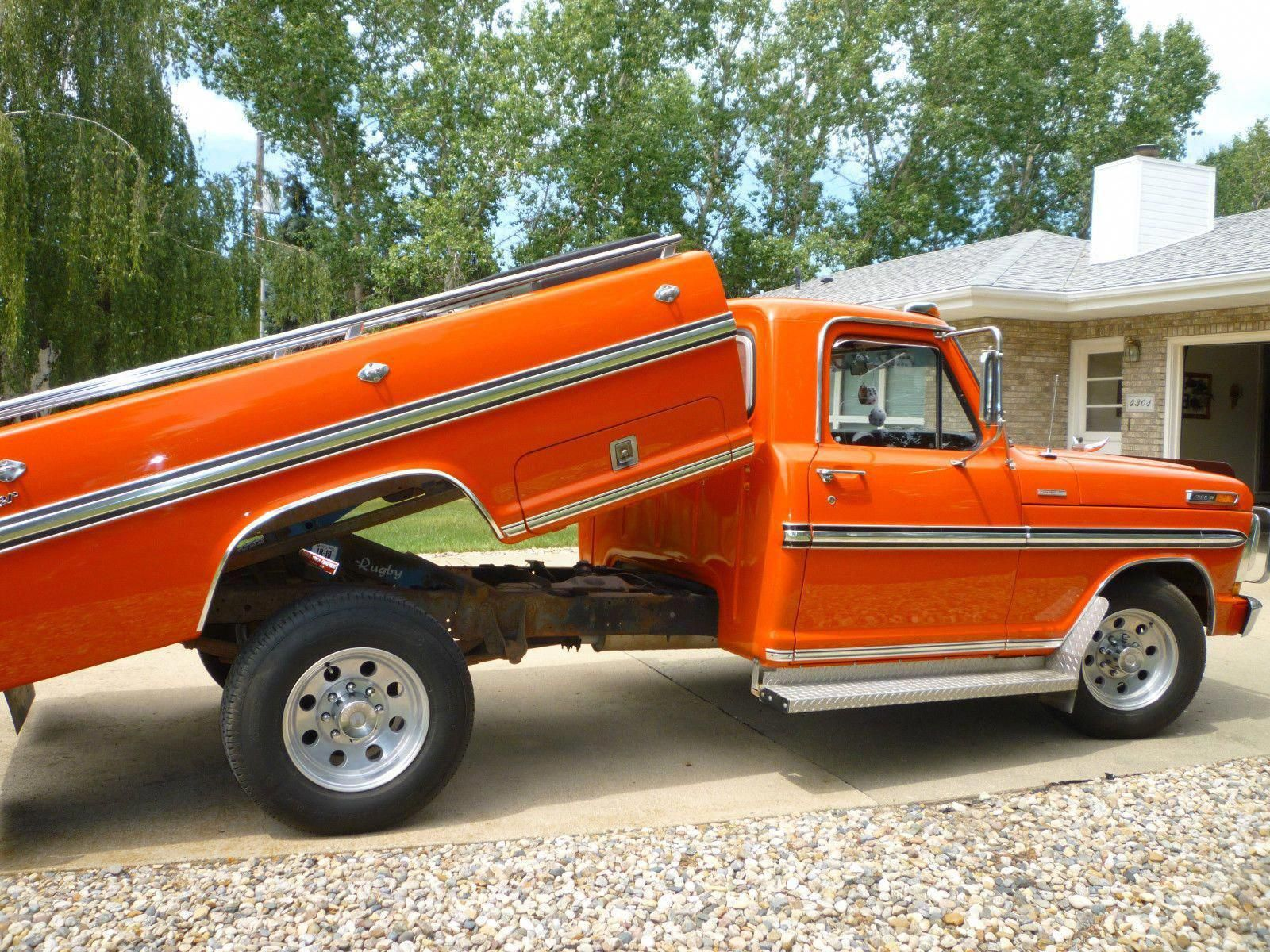 Wowww I Honestly Adore This Color Choice For This 1970 F150 1970f150 Old Ford Trucks Ford Trucks Car Rental Company
