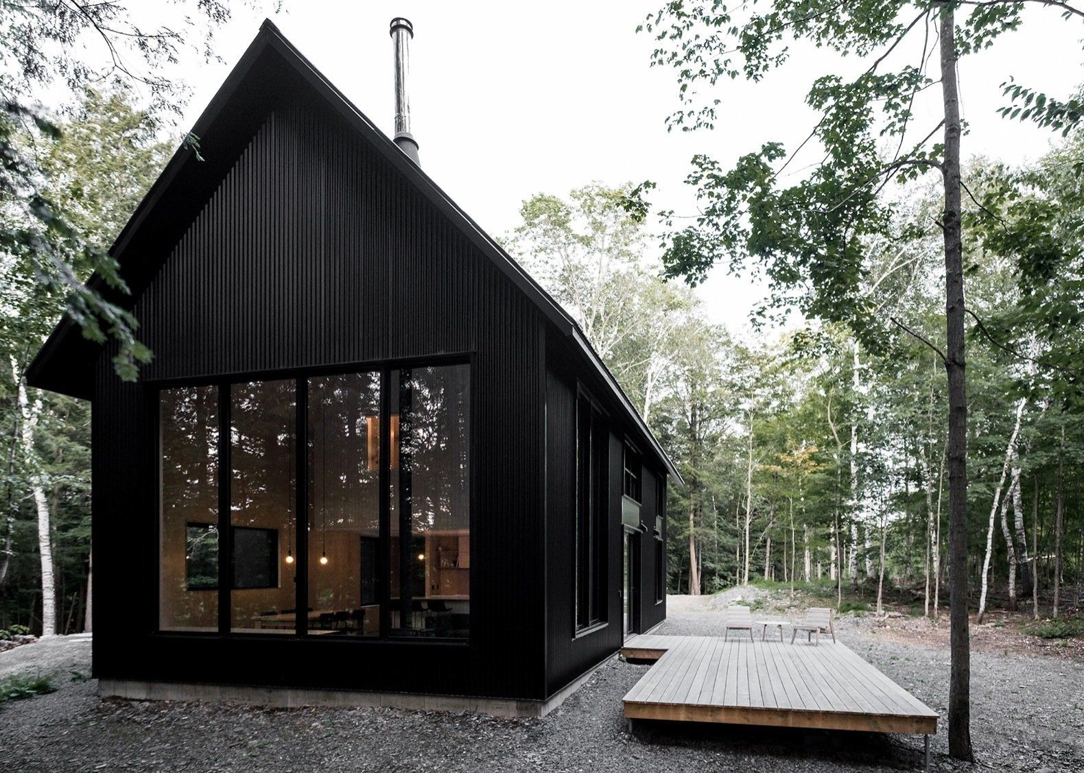 Photo 5 Of 15 In This Chic Chalet Harmonizes With Quebec S Lush Black House Exterior House Exterior Modern Cabin