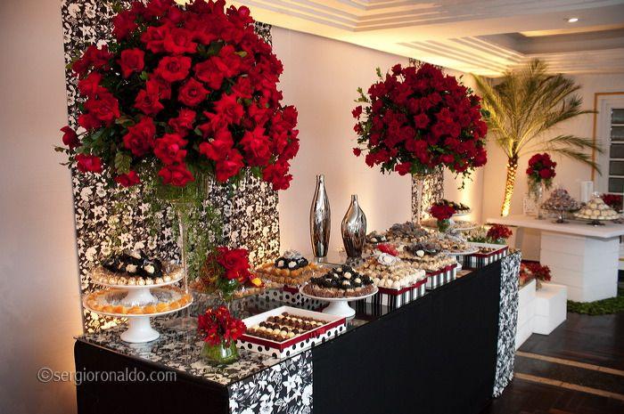 Resultado de imagem para decoraçao festas de casamento anos 60 preto branco e dourado festa  -> Decoração Para Casamento Vermelho Branco E Dourado