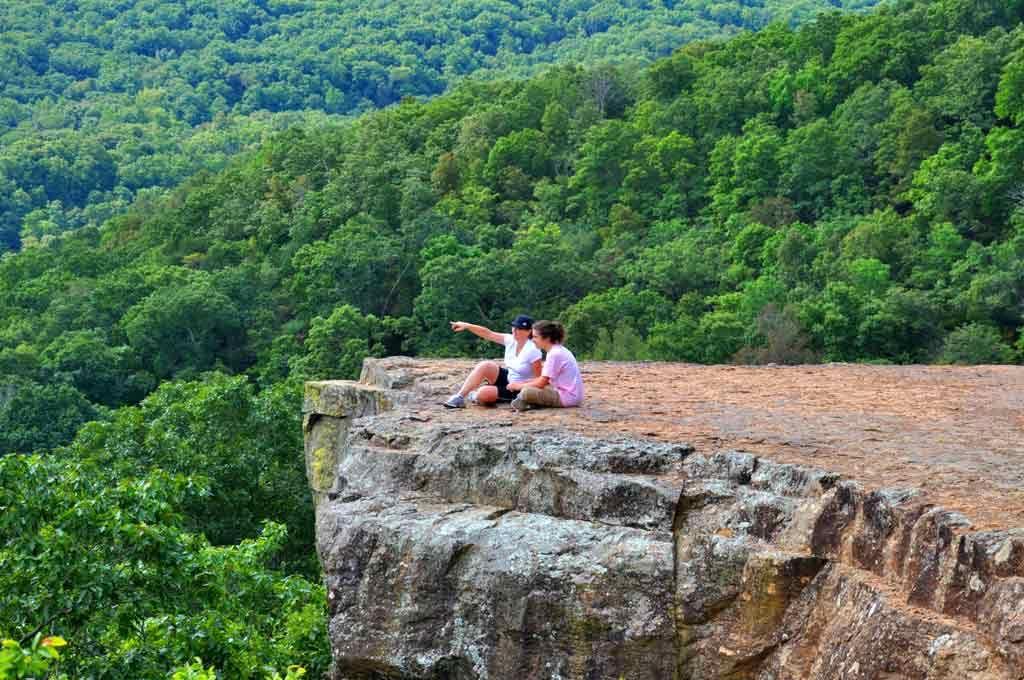 7 Favorite Day Hiking Trails in Arkansas Arkansas road