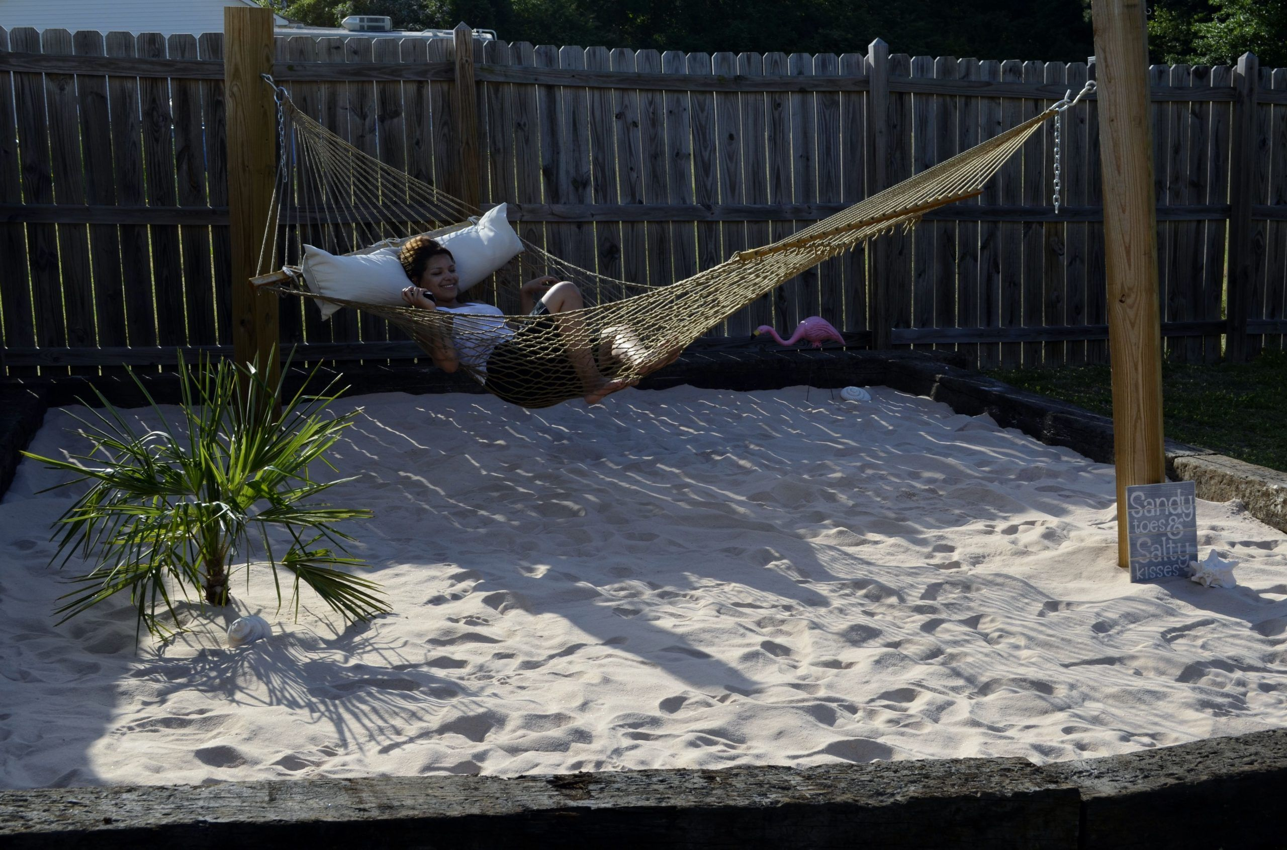 Backyard Tiki Idea For The Deck Love A Beach Themed Backyard