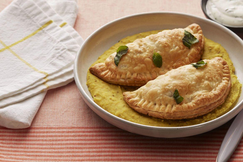 Blue apron lentil spice blend - Potato Broccolini Samosas With Coconut Lentils Yogurt Sauce