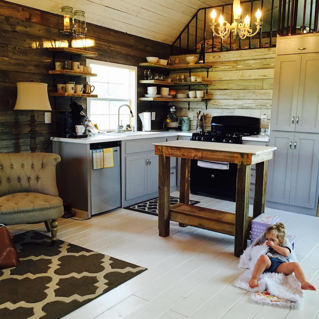 A small family cabin in Conroe, Texas. (pinned by haw