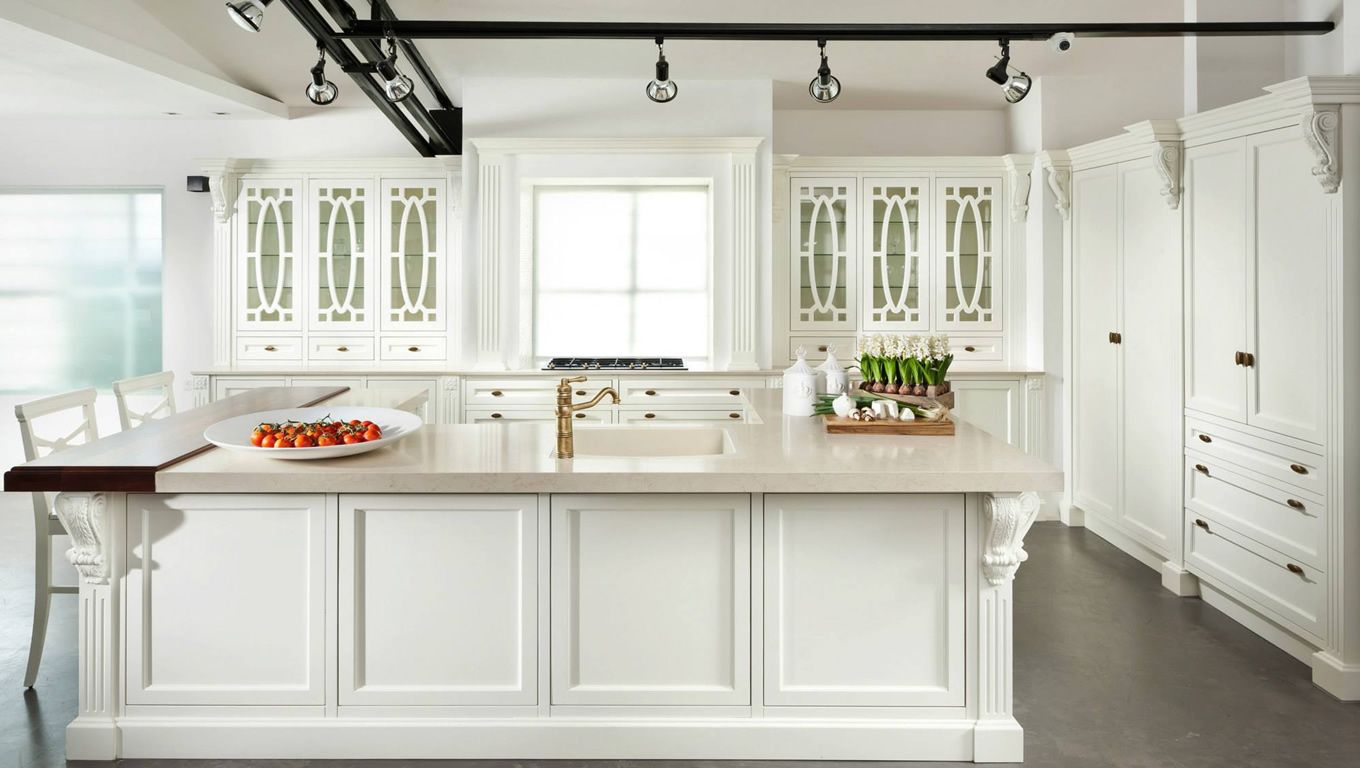 Kitchen Design Traditional White Kitchen Cabinet Withtrack Simple Traditional White Kitchen Cabinets Decorating Design