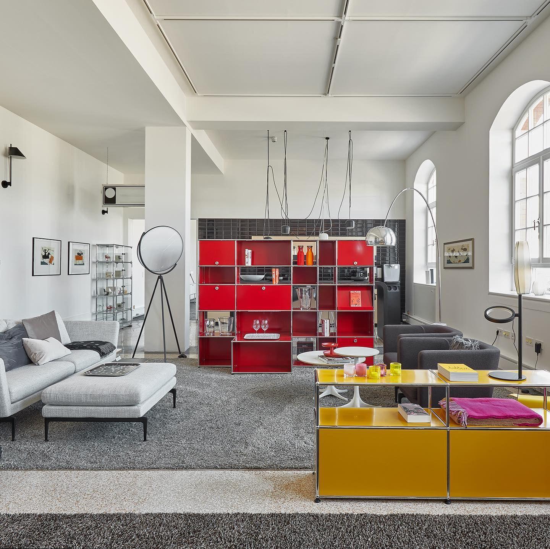 Aus Einer Alten Guterbahnhofshalle Entstand Unser Showroom In Freiburg Habt Ihr Schon Mal Vorbei Geschaut Es Lohnt Sich Workwell In 2020 Home Home Decor Furniture