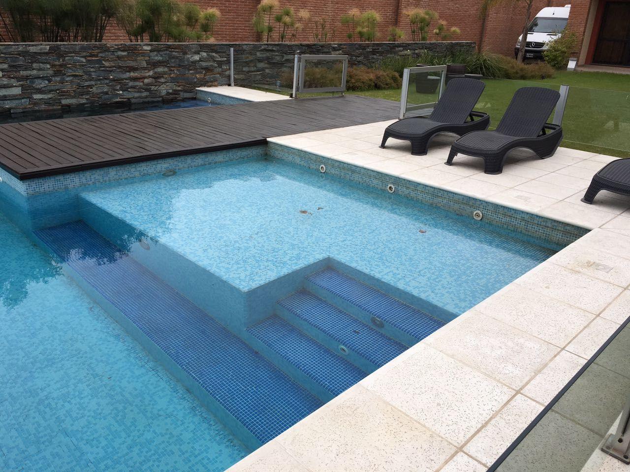 Hotel neper piscina wellness solarium revestimiento venecita iluminaci n subacu tica - Diseno de piscinas ...