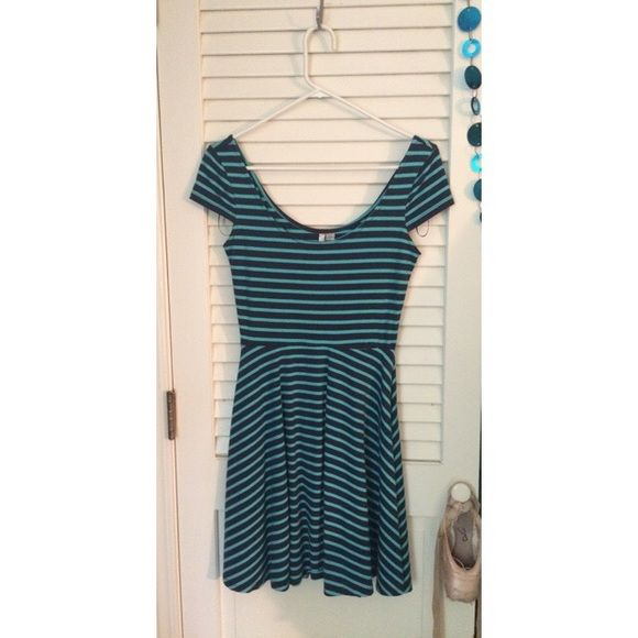 NWOT Navy Blue & Turquoise Striped Dress A navy blue and turquoise striped dress from Lauren Conrad that's never been worn once - it was given to me as a gift and I didn't like the style on me. Beautiful sweetheart neckline and cap sleeves. Cotton material. Perfect condition. Make me an offer:) LC Lauren Conrad Dresses