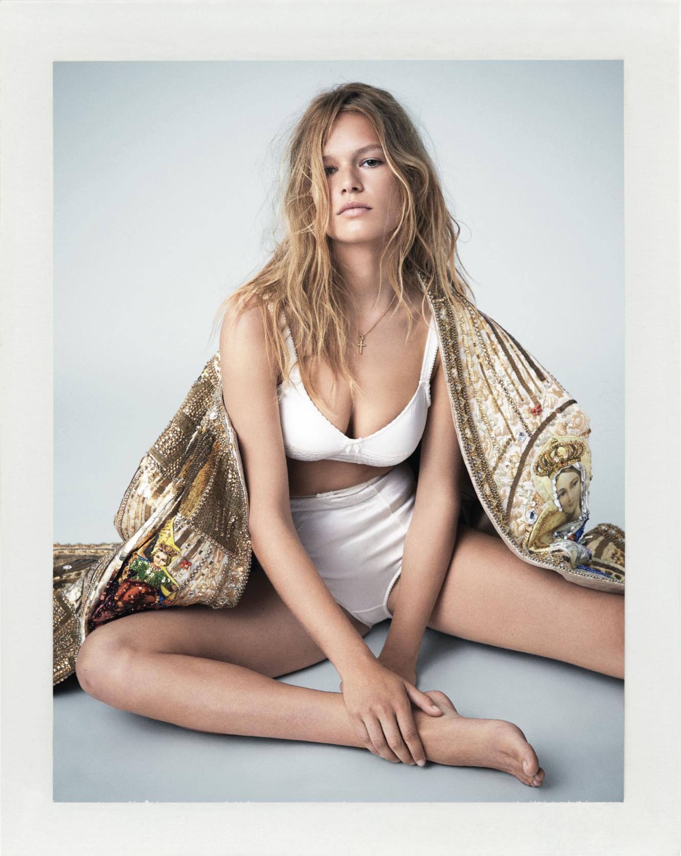 Danielle Carin Nude Photos 25