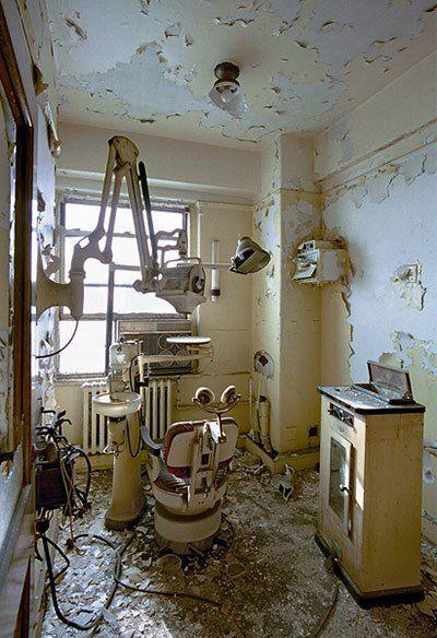 Abandoned  dentist's~ Detroit