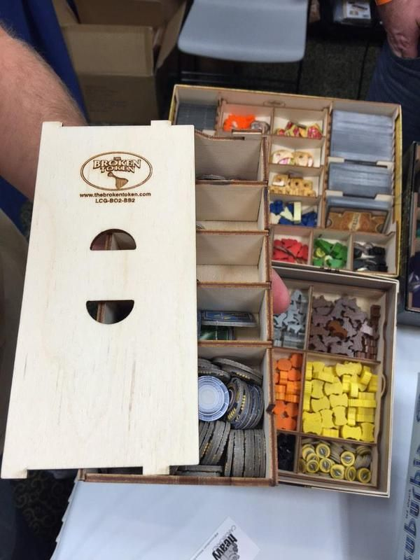 Here comes a stream of pics tweets... @tbt_gaming Cool inserts that work with vertical  or horizontal storage options