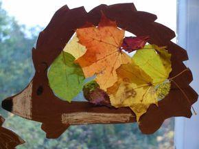 basteln laub igel fensterbild transparent bastelpapier tonpapier #igelbastelnfensterbild