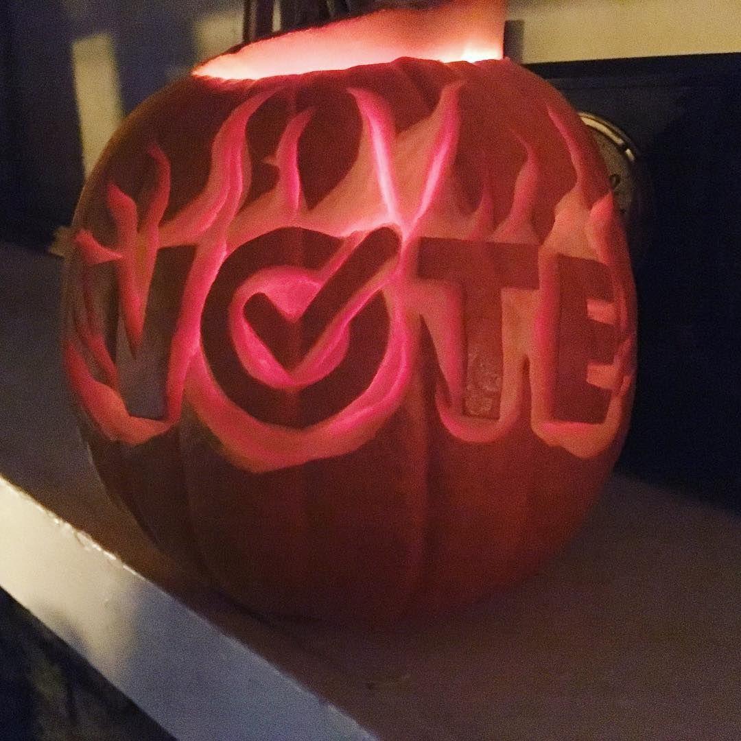 [+] Pumpkin Carving Templates Vote