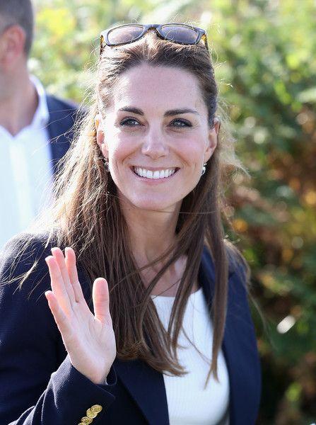 Kate Middleton Photos Photos - Catherine, Duchess of Cambridge visits the Island…