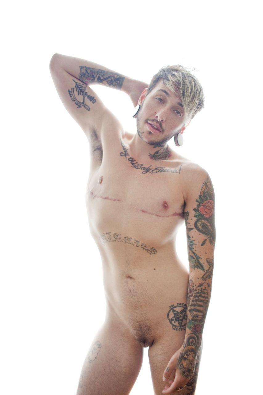 Sexy naked trans men