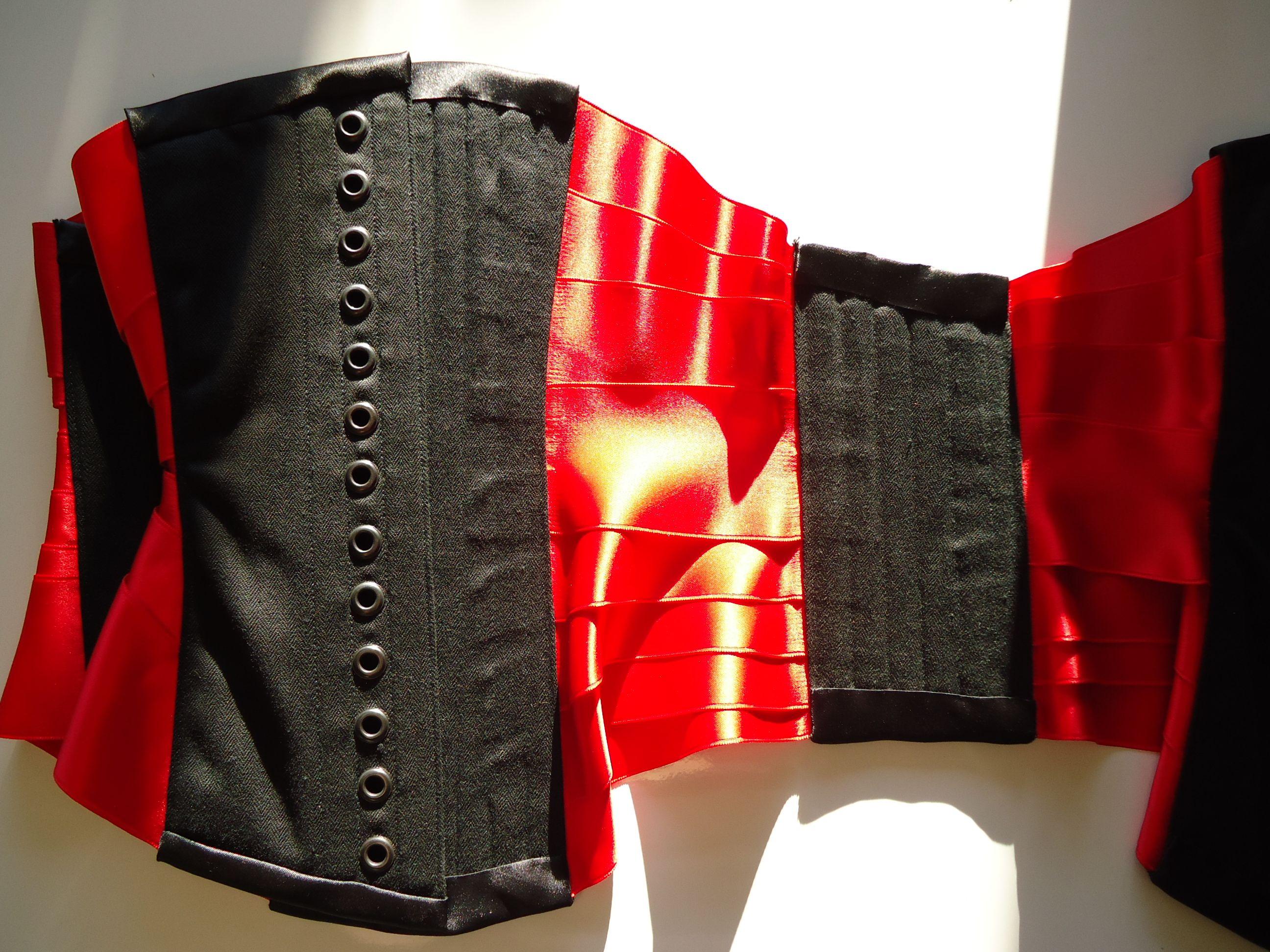 Ribbon Underbust Corset Back & Inside