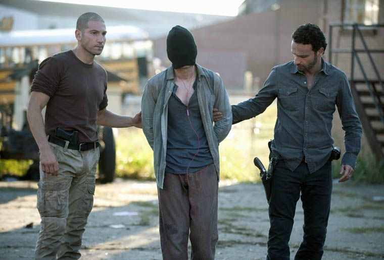 The Walking Dead Season 2 Episode 10 Rick And Shane W