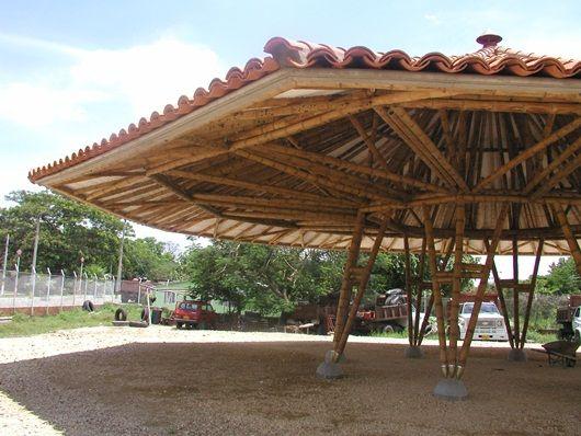 Sim n v lez arquitectura sostenible con bamb bamboo ideas pergolas and bamboo architecture - Pergolas de bambu ...