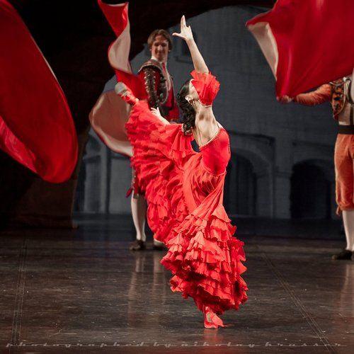 Olga Semenovain Don Quixote.  Photo (c) Nikolay Krusser.