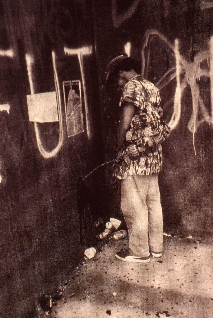 David Hammons. Pissing on Serra