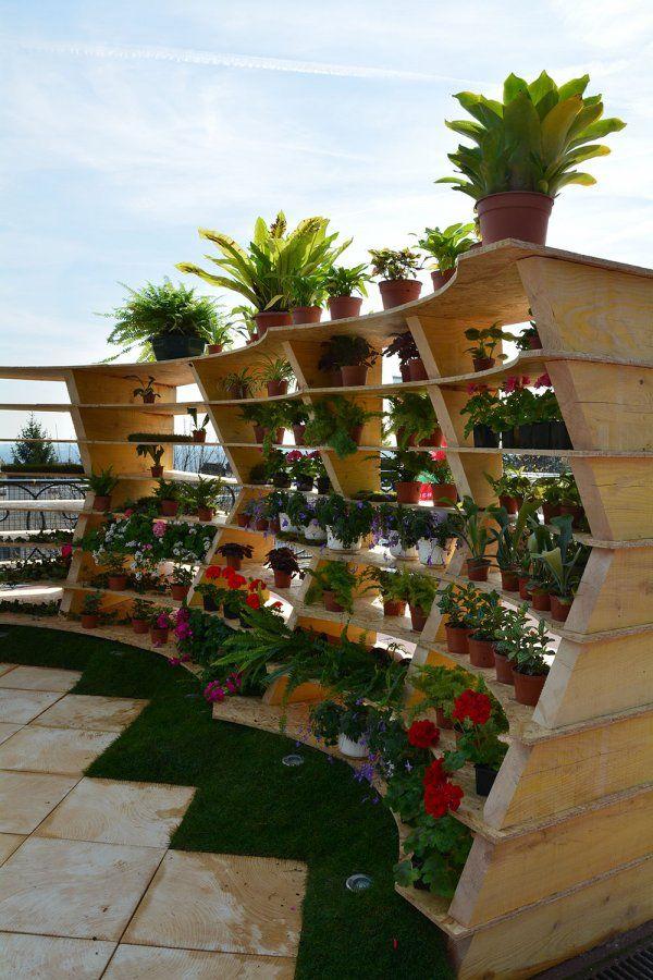 Le Jardin Du Futur Une Piece A Vivre Inventive Coloree Et D Eau