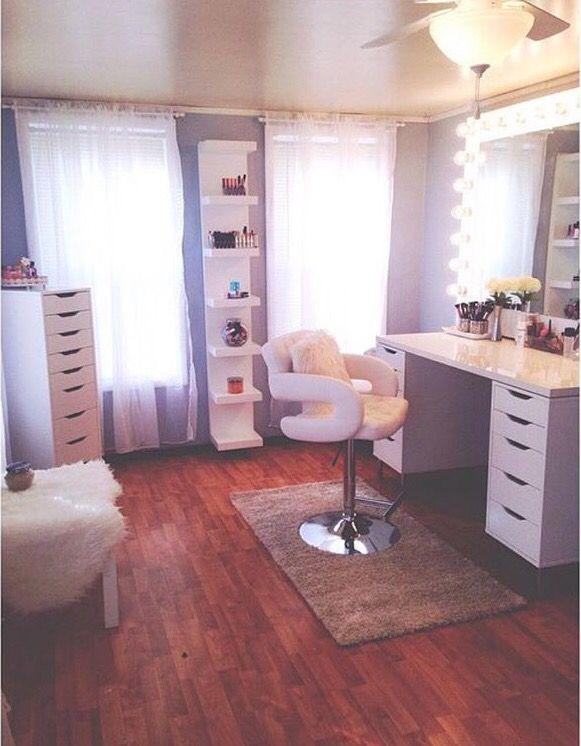 13 Beautiful Makeup Room Ideas, Organizer and Decorating ... on Makeup Room Design  id=85214