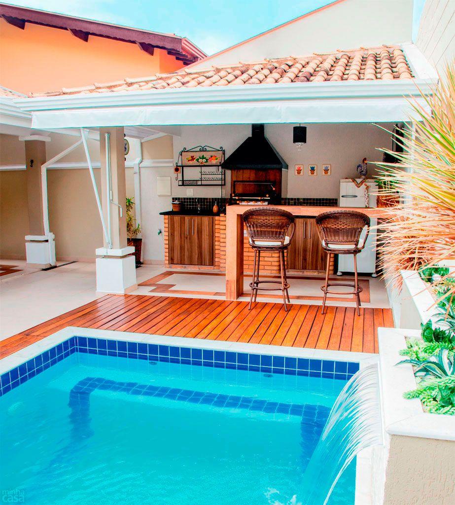 Rea de lazer ao ar livre com piscina churrasqueira e for Modelos piscinas pequenas para casas