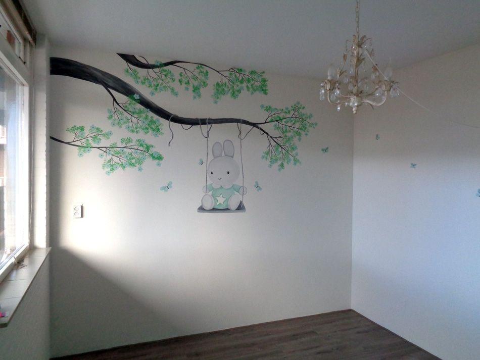 Mooi Nijntje Babykamer : Nijntje muurschildering babykamer met hangende bloesemtakken