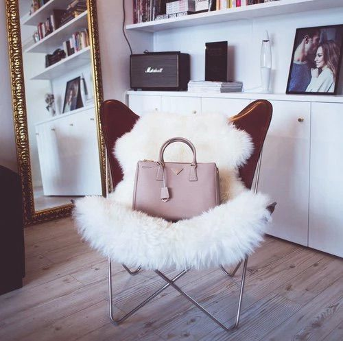 Image via We Heart It #bag #bedroom #chic #fashion #fur #girly #glam #style