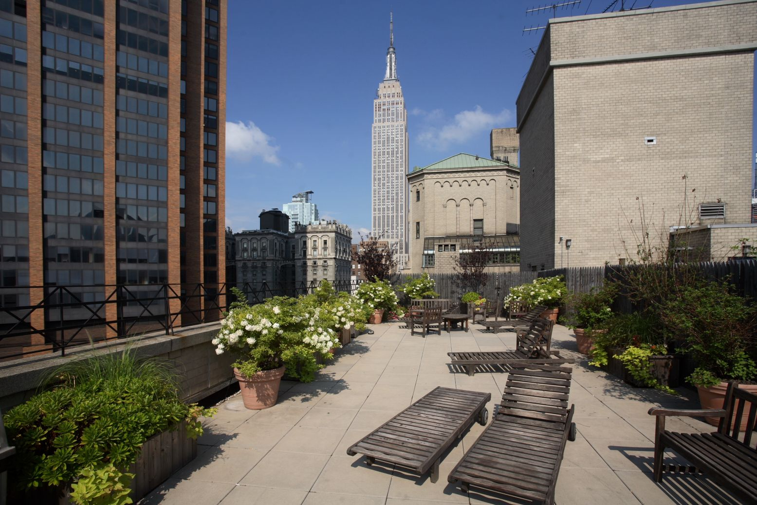 A View Of The Empire State Building From Rooftop Deck At Murray Hill Manor Luxury Apartments